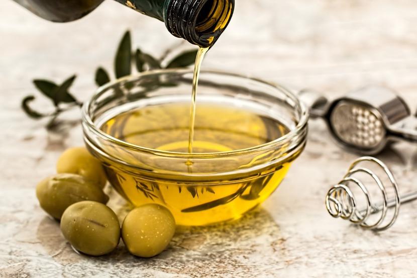 Oliwa z oliwek jest charakterystycznym elementem diety śródziemnomorskiej